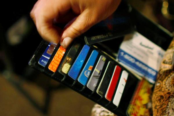 Кому и зачем нужна дополнительная кредитная карта?
