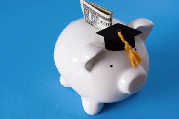 Может ли студент взять кредит в банке?