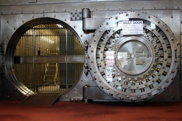 Как быть заемщикам, если банк лишился лицензии?