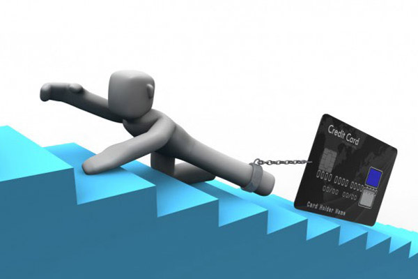 Кредитные карты банков толкают людей к необдуманным покупкам