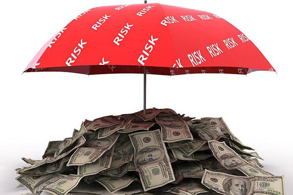 Насколько обязательна страховка по кредиту, и можно ли от нее отказаться?