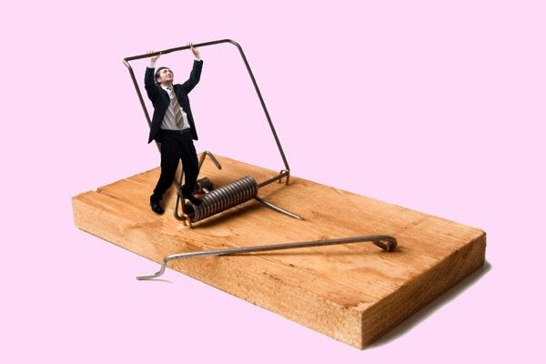 Поручительство по кредиту – опасная поддержка