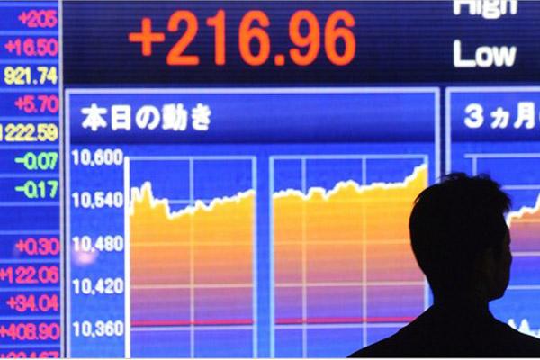 «Цунами» японских денег и его последствия