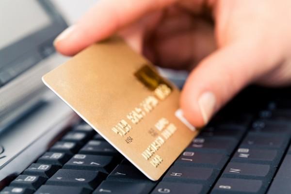 Как оплачивать товары и услуги в Интернете при помощи кредитной карты