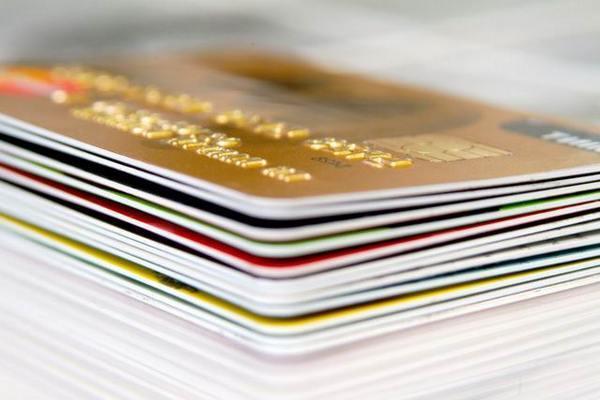 Эксперты научат, как заработать на кредитках