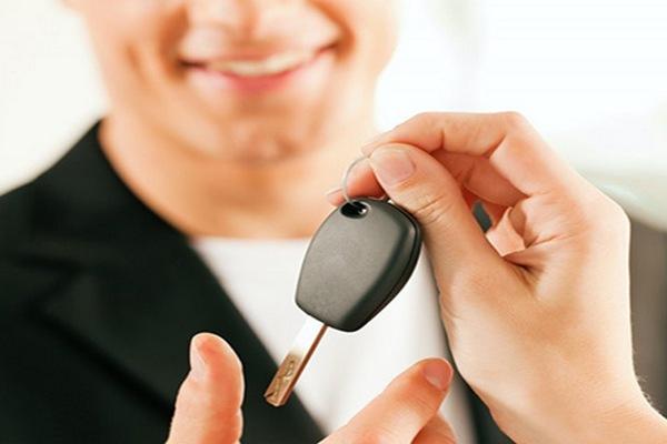 Можно ли взять кредит на автомобиль в 18 лет?