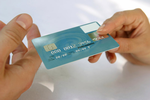 Как открыть кредитную карту человеку, у которого нет работы.