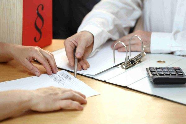 Кредитный договор: какие ловушки готовит главный банковский документ?