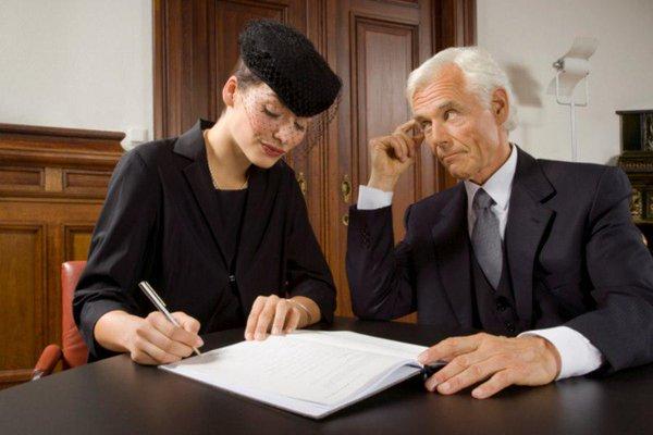 Кто платит после смерти заемщика кредит?
