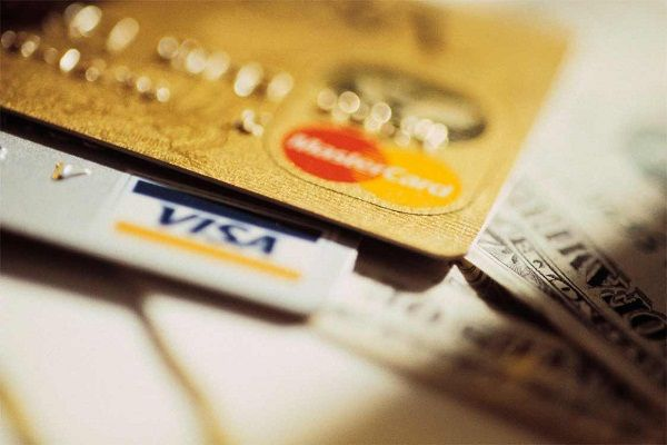 Преимущества и недостатки золотой кредитки Сбербанка