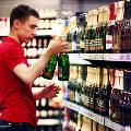 Власти России хотят сократить реализацию алкоголя в два раза